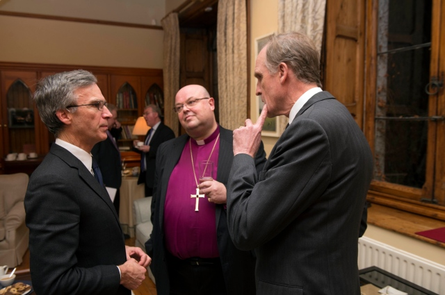 l-r Dr Andrew Murrison, M.P. (Minister for International Security Strategy, and special representative of Prime Minister David Cameron for the Centenary Commemoration of the First World War) cahts before the conference opening with the Bishop of Cork, Cloyne and Ross, Dr Paul Colton, and the Ambassador of Belgium i Ireland, M. Philippe Roland.