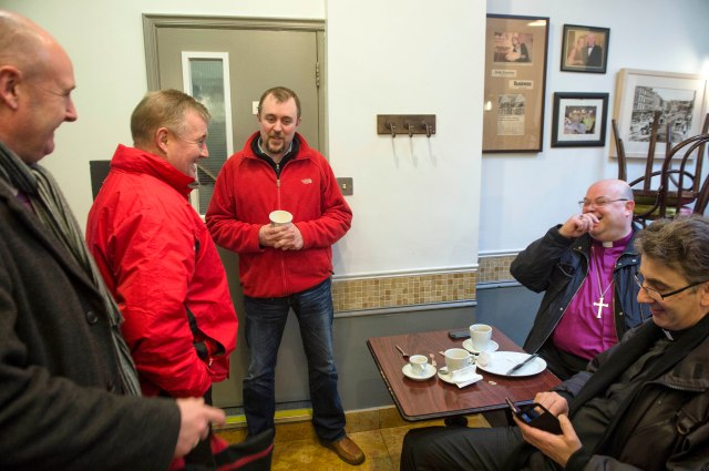 l-r Ralph Riegel (Irish Independent),  Paul Byrne (TV3) and Eoin English (Irish Examiner) chat and tweet with Bishop Paul Colton and Dean Nigel Dunne.  Photo:  Michael MacSweeney/Provision