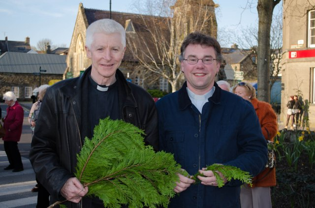 Mgr Aidan O'Driscoll (winning prize for the largest branch!) with the Reverend Daniel Owen.