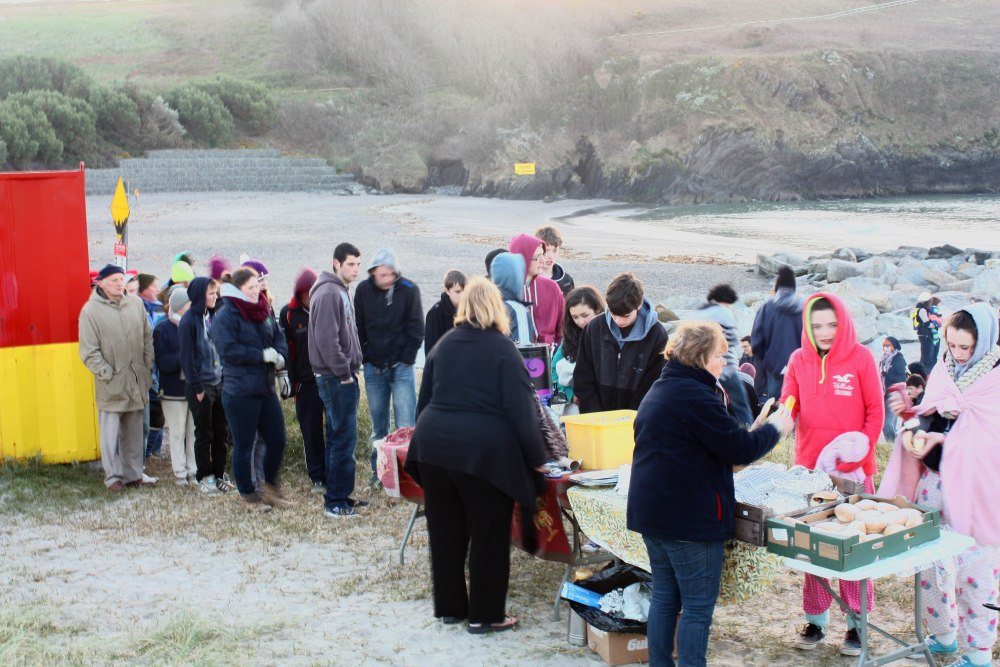 Annual Sunrise Easter Service at the Warren Strand, Rosscarbery (4/5)
