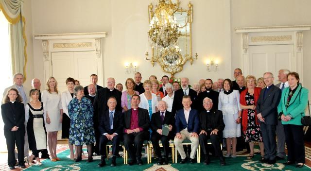 Representatives of Cumann Gaelach na hEaglaise pictured with the President, Michael D. Higgins at Áras an Uachtaráin.