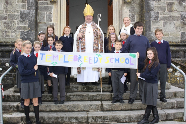 The group from Templebreedy National School with the Bishop.