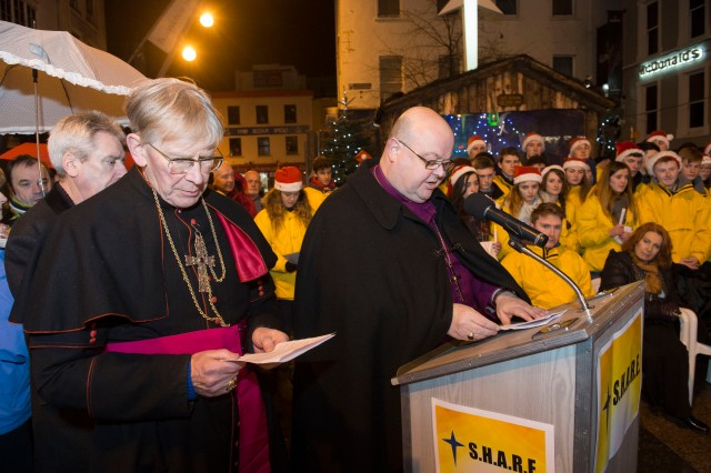 Watched by the students of SHARE, and Minister of State, Kathleen Lynch, T.D., Bishop Colton and Bishop Buckley join in the Blessing of the SHARE Crib 2014 (Photo: Gerard McCarthy)