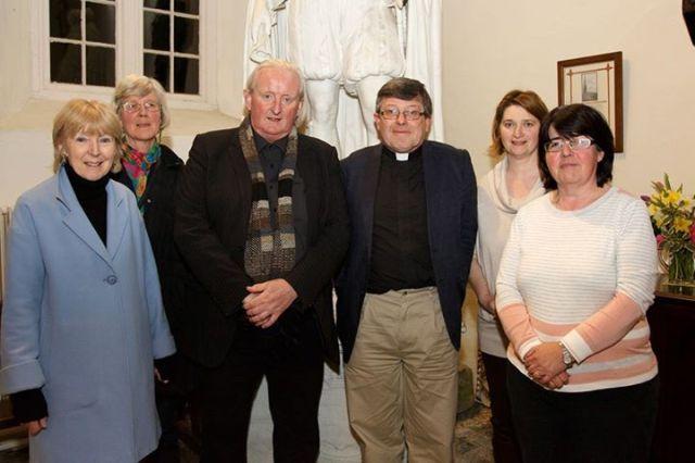 The organising committee with Mícheál Ó Súilleabháin.