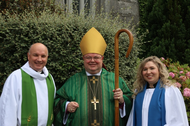Sabrina Cooke-Nivet (right) with the Bishop of Cork, Dr Paul Colton and the Archdeacon of Cork, the Venerable Adrian Wilkinson (left).